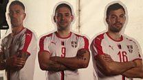 Фудбалери ка Русији кренули из шатора на пумпи