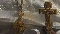Священик МП з Попасної: Ми з хрестом захищаємо, а хто - з автоматом