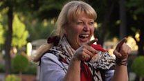 Cómo enseñan a los rusos a sonreír antes del Mundial de Rusia 2018