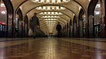 Um passeio pelo metrô de Moscou, o 'mais luxuoso do mundo'
