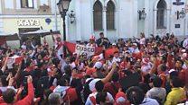 Com menos torcedores que Brasil ou Alemanha, peruanos e argentinos roubam a cena em Moscou
