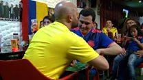A amizade que permite a torcedor cego e surdo acompanhar os jogos de sua seleção na Copa