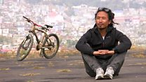 The man travelling the world on a bamboo bicycle