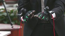 Gloves help blind people to 'see' art