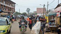 """La présidentielle """"n'est pas une priorité"""" à Bamenda"""