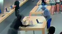 Apple store robbery caught on camera