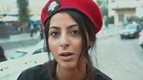 महिला पुलिस की वर्दी पर तिरछी निगाहें