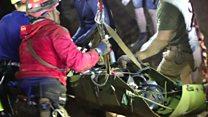 Revelan nuevas imágenes del dramático rescate dentro de la cueva en Tailandia