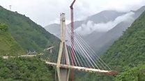 कोलंबियात 9 जणांचा जीव घेणारा तो पूल अखेर पाडला