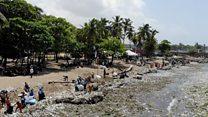30 тонн пластика вымыло на пляж
