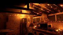 Лесные пожары в Греции: как спасаются от огня жители и туристы