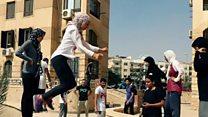 مصر: فريق نسائي يمارس الباركور رغم التحديات