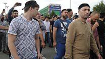 Тысячи людей в Чечне пришли проститься с убийцей Юрия Буданова. Почему?