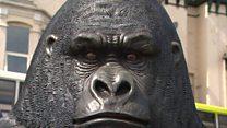'Peeping Kong' statue unnerves residents