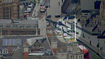 بالفيديو: لحظة اصطدام سيارة في حواجز البرلمان البريطاني