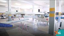 شباب يصنعون طائرات في تونس