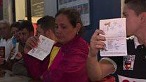 Venezuelans dash to get over Peru border