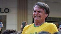 El momento en que apuñalan al candidato brasileño Jair Bolsonaro