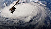 Як виглядає з космосу ураган, що суне на США?