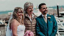 PM wedding photo surprise for couple