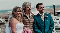 'May of honour': PM crashes wedding photo