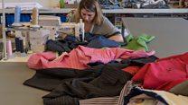 تاجر الأقمشة فارس بايزيد يحدثنا عن التغير الكبير الذي تشهده صناعة الثياب.