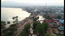 インドネシア地震、生存者救出へ「時間との戦い」