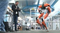 مختبر خاص لجعل الروبوتات تركض وتقفز وتمشي فوق أسطح مختلفة