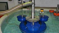 تقنية سويدية لتنظيف الأسطح المائية من المخلفات الناجمة عن النشاطات البشرية