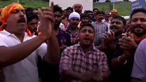 Angry crowds block women from Hindu temple