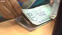 घसरत्या रुपयानं भारतीय अर्थव्यवस्थेला फटका