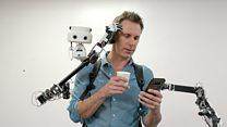 Что умеет делать робот-рюкзак. Спойлер: он может почесать вам нос