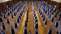 مدرسة ماسونية تمارس تقليدا منذ أكثر من 200 عام