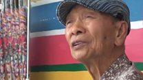 96 साल के पेंटर ने कैसे गांव उजड़ने से बचाया