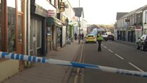 'Machete-wielding' robbers strike at bank