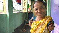 """""""Tetangga menganjurkan agar saya dibunuh"""": Kisah perempuan tanpa tangan berjuang agar bisa mandiri"""