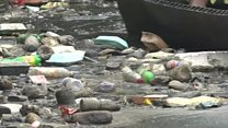 नाइजीरिया: नदी में प्लास्टिक का अंबार