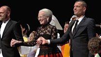 ملكة الدنمارك تشارك في عرض باليه