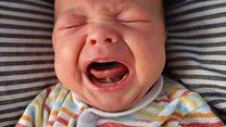 كيف تجعل طفلك يتوقف عن البكاء؟