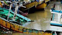 इंडोनेशियात त्सुनामीमुळे जागोजागी विनाशाच्या खुणा