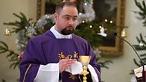 Priest learns to sign to make sermons inclusive