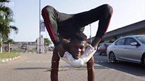 Maître dans l'art de la contorsion