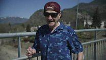 Упознајте неустрашивог 90-годишњег деку