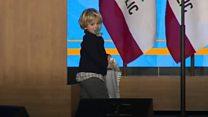 Як дворічний син увірвався у виступ губернатора Каліфорнії