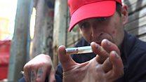 """""""Nunca he visto tanta muerte"""": las salas donde los adictos se inyectan heroína pura en Canadá"""