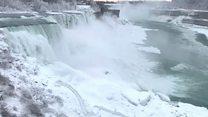 Снежна олуја заледила и Нијагарине водопаде