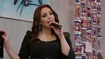 الفنانة عبير نعمة تغني صلاة المهاتما غاندي