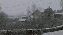 Eira trwm yn ardal Penllyn