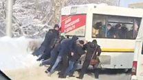 Саратов завалило снегом: на помощь вызвали военную технику