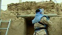El pueblo afgano construido con miles de misiles abandonados por el ejército soviético